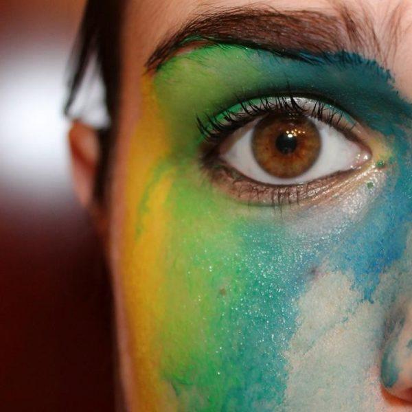 Elisa occhi dipinti