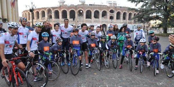 Partenza del quinto Bike Tour. Anche Andrea Giani è presente in rappresentanza di BluVolley