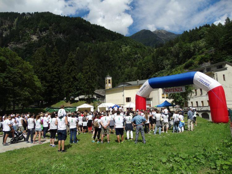 Valchiavenna: un'edizione record per la camminata a Campodolcino
