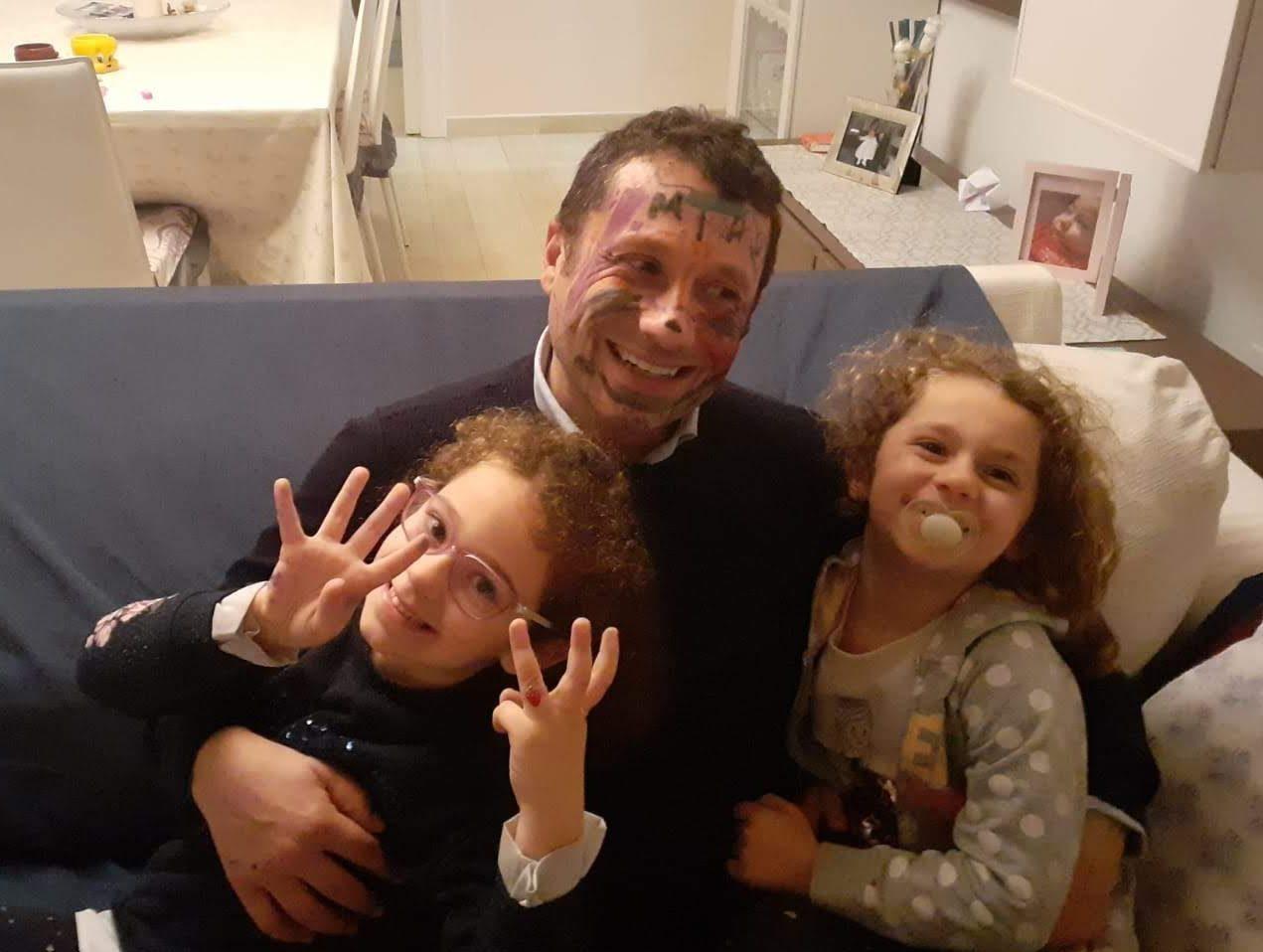 Antonio Recchiuti con le figlie